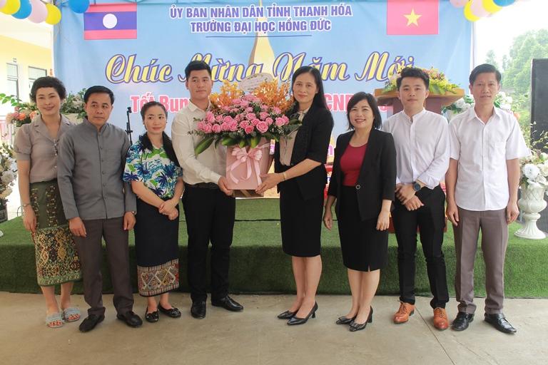 Trường Đại học Hồng Đức tổ chức Tết Bunpimay 2021 cho Lưu học sinh Lào