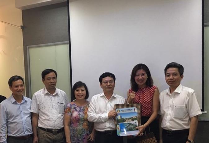 Chuyến thăm và làm việc của cán bộ Trường Đại học Hồng Đức tại viện SEED, Singapore